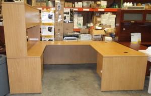 Hon 10500 Series U Desk Workstation with Stack-on-Storage, Harvest